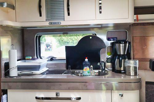 Vermiet-Wohnwagen Küche